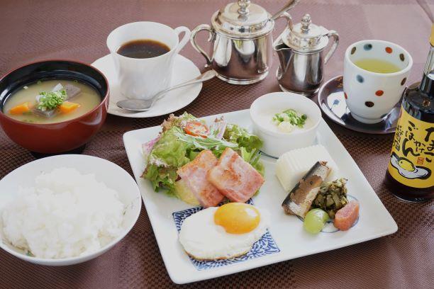 【室数・お日にち限定】プチ朝食付きプラン♪<2、3名様利用>