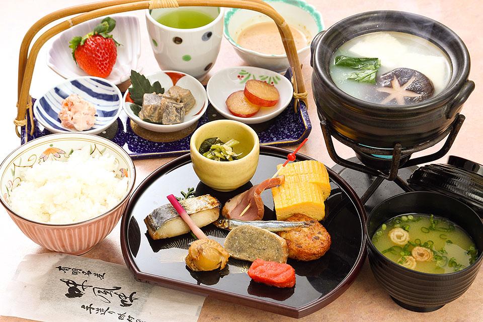 【禁煙】得々☆朝食付きプラン(シングル17平米)