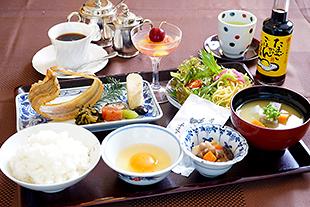 【室数・お日にち限定】朝食付きプラン♪<2、3名様利用>